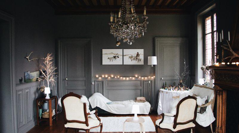 Comment tapisser une chaise Louis XV ?