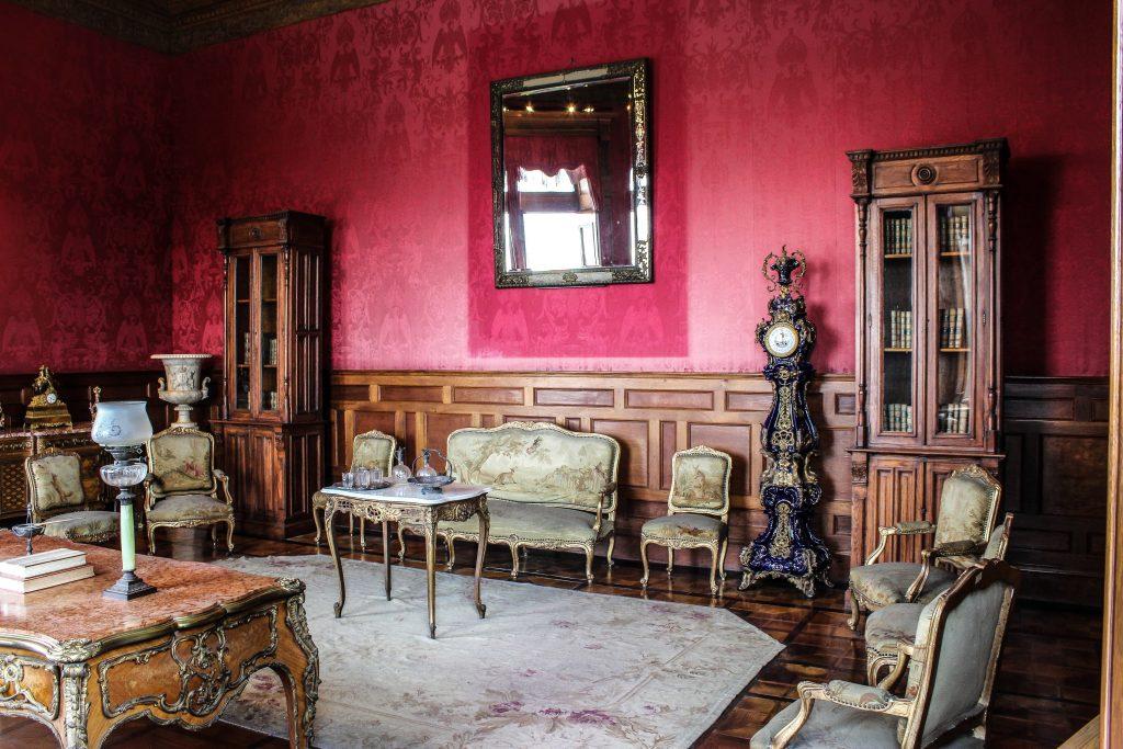 D'où vient la chaise Louis XV ?